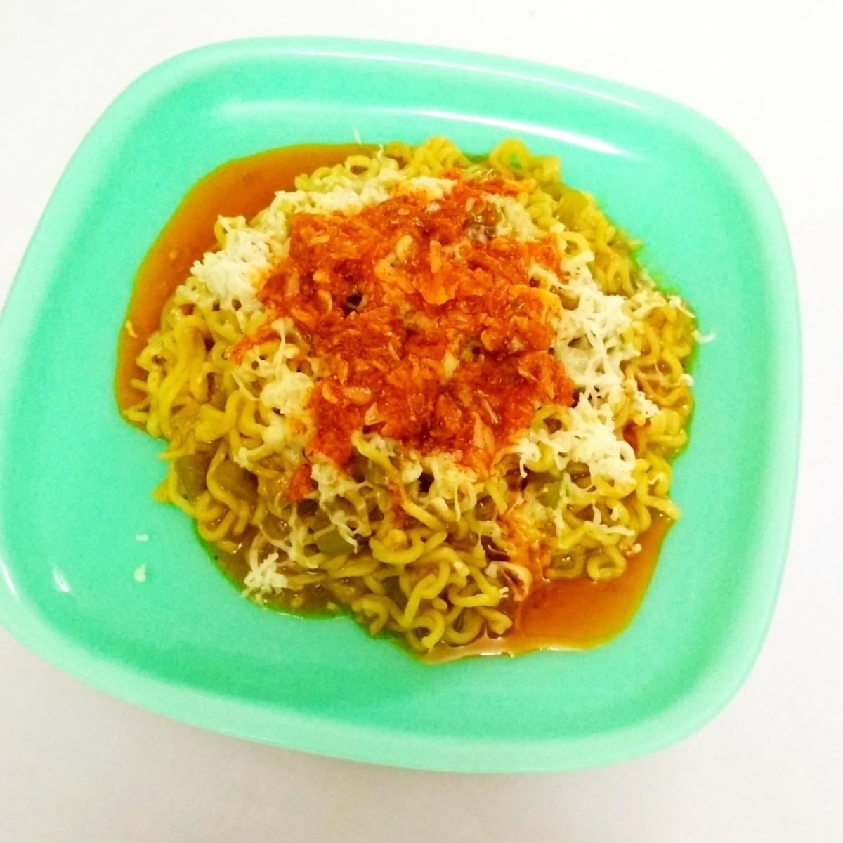 Cheesy Tadka Maggi | Masala Maggi | Recipe No. 79